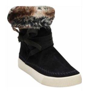 Toms Black Faux fur Boots NWT